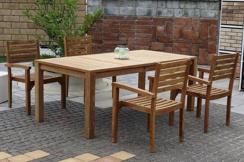 BERNISE CASTELLO stohovateľné stoličky so stolom 100 x 200 cm