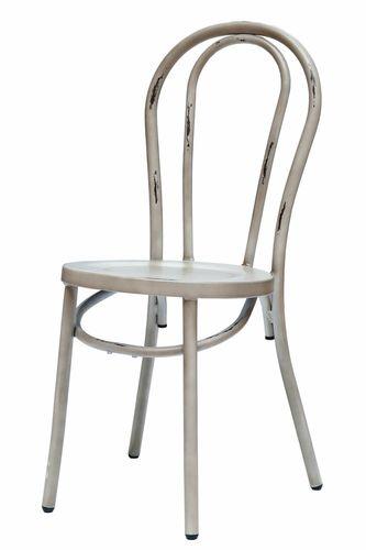 RETRO kovová stolička s trendovým dizajnom