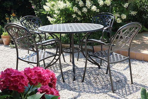 LYNTON ROUND 4 kovové stoličky so stolom priemer 105 cm